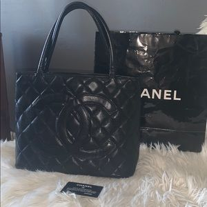 Auth Chanel caviar quilted  leather tote handbag